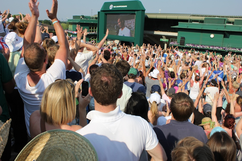 Fans on Henman Hill cheer Andy Murray to victory in 2013