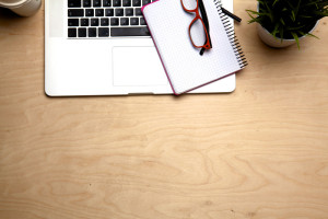 What does your desk say about you? [infographic]