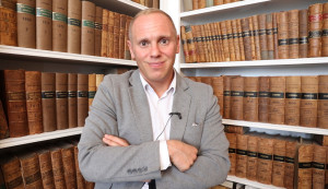 Judge Rinder and Camp America give advice to students on results day!
