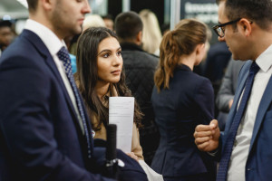 5 key questions to ask at a careers fair